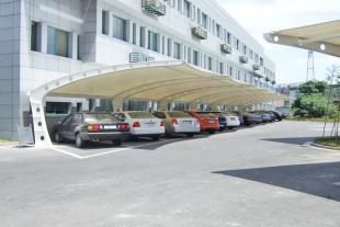大型膜结构停车棚施工