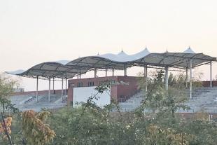 承接网球场看台遮阳棚工程