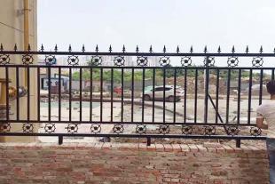 山东铁艺护栏供应