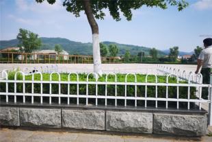 草坪护栏生产厂家