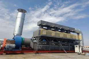 喷漆房三万风量催化燃烧设备在线脱附技术特点