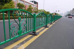 山东道路护栏生产厂家